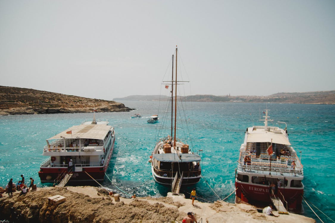 Five Reasons To Choose a Boating Holiday
